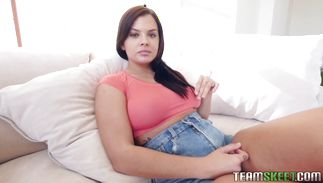 Goluptious teen Keisha Grey bangs with built pal